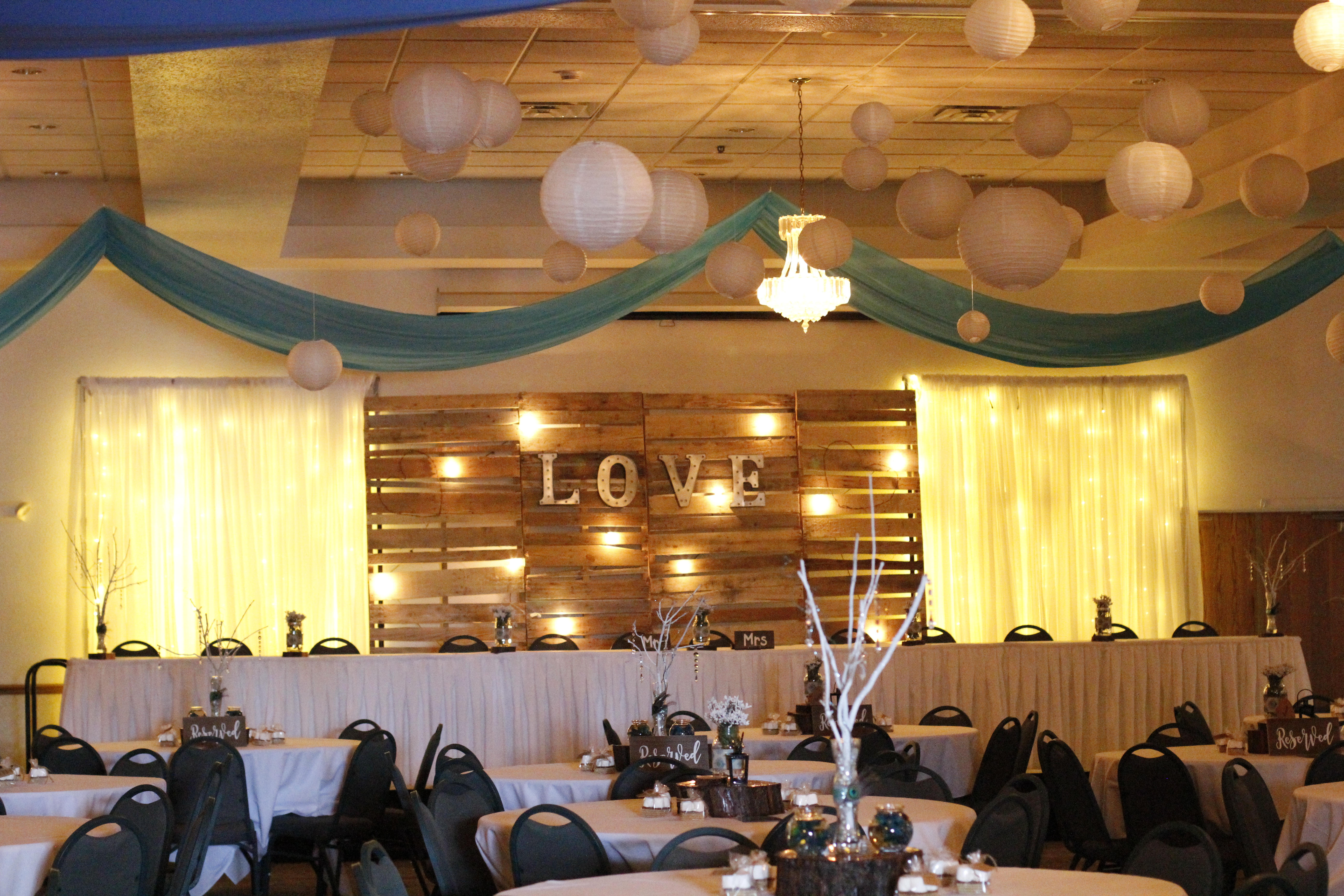 La Sure\'s Banquet Hall, Cakes, & Catering - Home